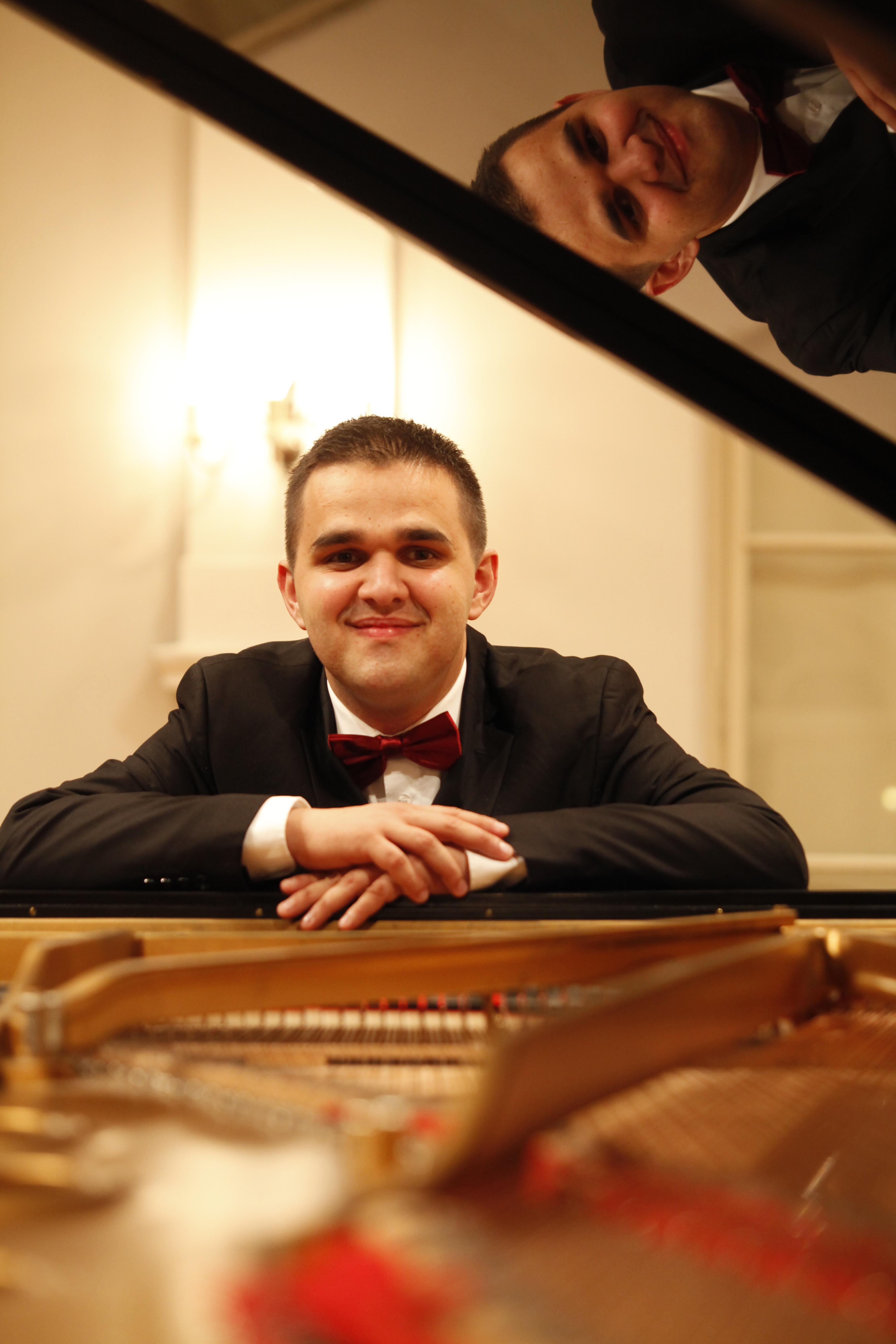 Koncert: Krešimir Starčević, klavir